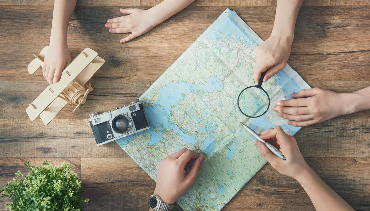1. 성장하는 여행업, 사라지는 여행사