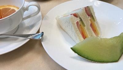 도쿄의 디저트와 Coffee to Tea