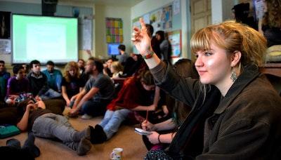 민주적인 교육 실험의 현장, 샌즈 스쿨