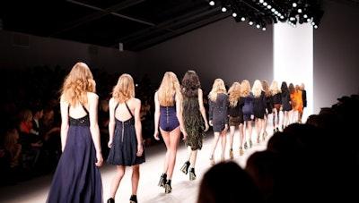 Fashion 파리, 런던, 뉴욕, 밀라노 그리고 서울: The Critique (1)