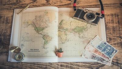 큐레이터의 말: 급변하는 여행-숙박 비즈니스 흐름을 추적하다